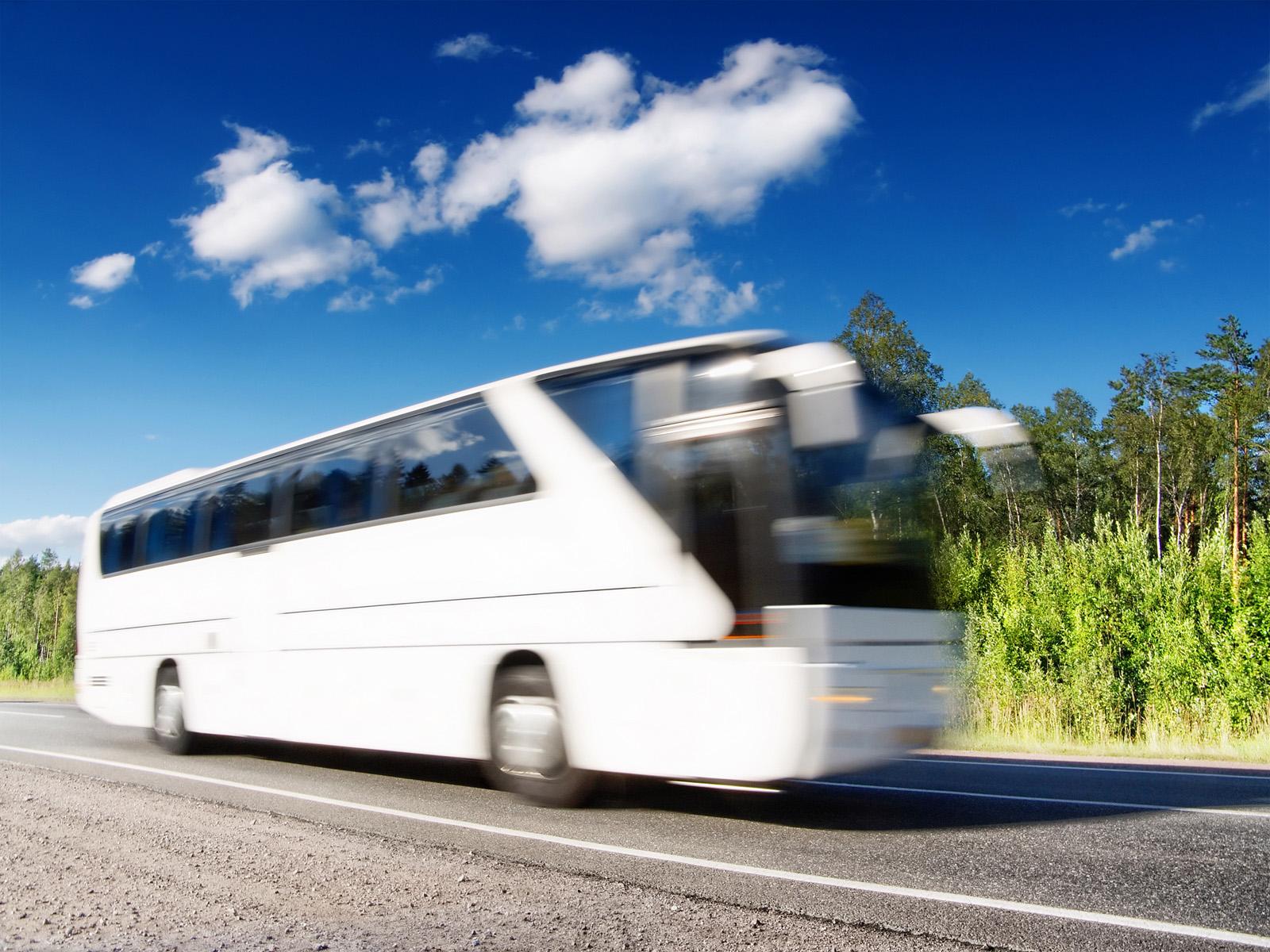Jak neutralizować zapachy w autokarze?